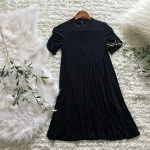 American Eagle Black Open-Back Short Sleeve Dress